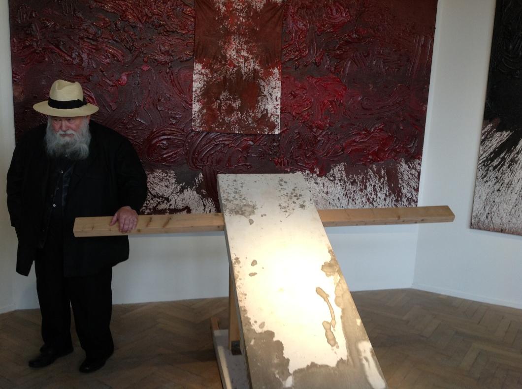 herman nitsch op tentoonstelling in venetie tijdens  biennale 2013
